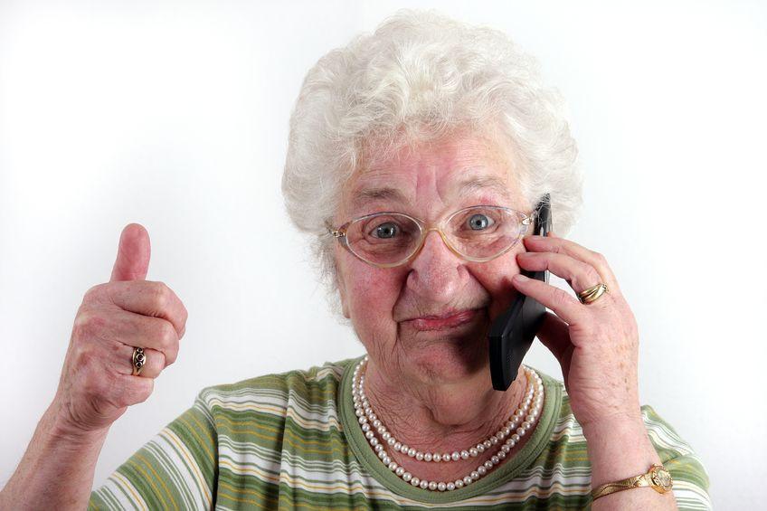 איך מדברים עם מטפל סיעודי