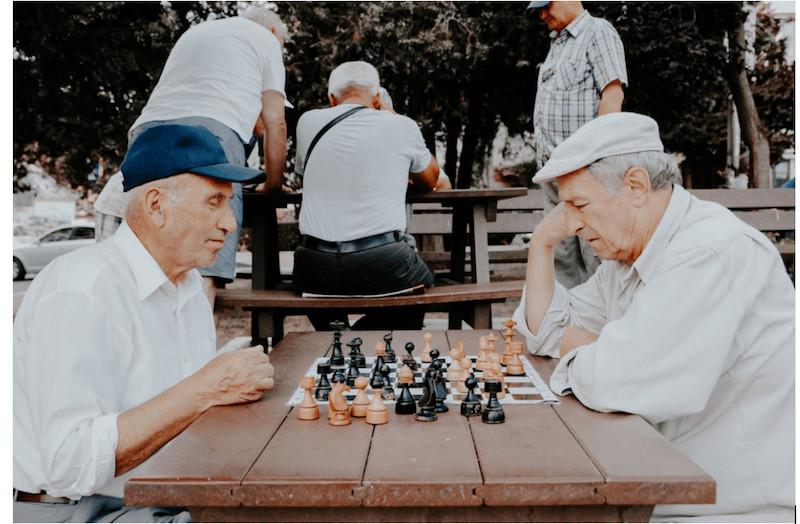 מרכז יום לקשיש