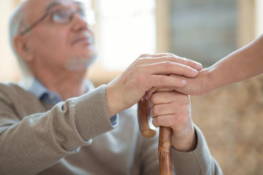 התנדבות עם קשישים וסיעודיים – התנדבות שכולה זהב